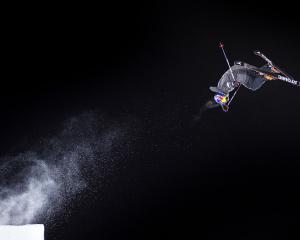 160127 En Œkare under en trŠning fšr Ski Big Air infšr X Games den 27 januari 2016 i Aspen. Foto: Joel Marklund / BILDBYRN / kod JM / 87143