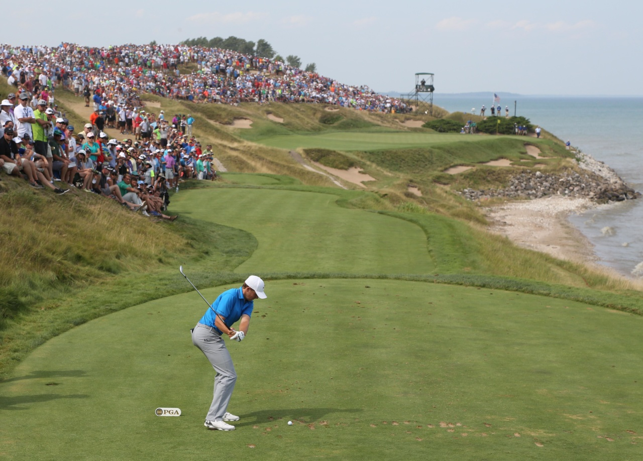 150816, Golf, PGA Aug 16, 2015; Sheboygan, WI, USA; Jordan Spieth hits his tee shot on the 7th hole during the final round of the 2015 PGA Championship golf tournament at Whistling Straits. Mandatory Credit: Brian Spurlock-USA TODAY Sports  / Reuters  Picture Supplied by Action Images *** Local Caption *** 2015-08-16T212653Z_1410463939_NOCID_RTRMADP_3_PGA-PGA-CHAMPIONSHIP-FINAL-ROUND.JPG © BildbyrŒn - COP 7 - SWEDEN ONLY