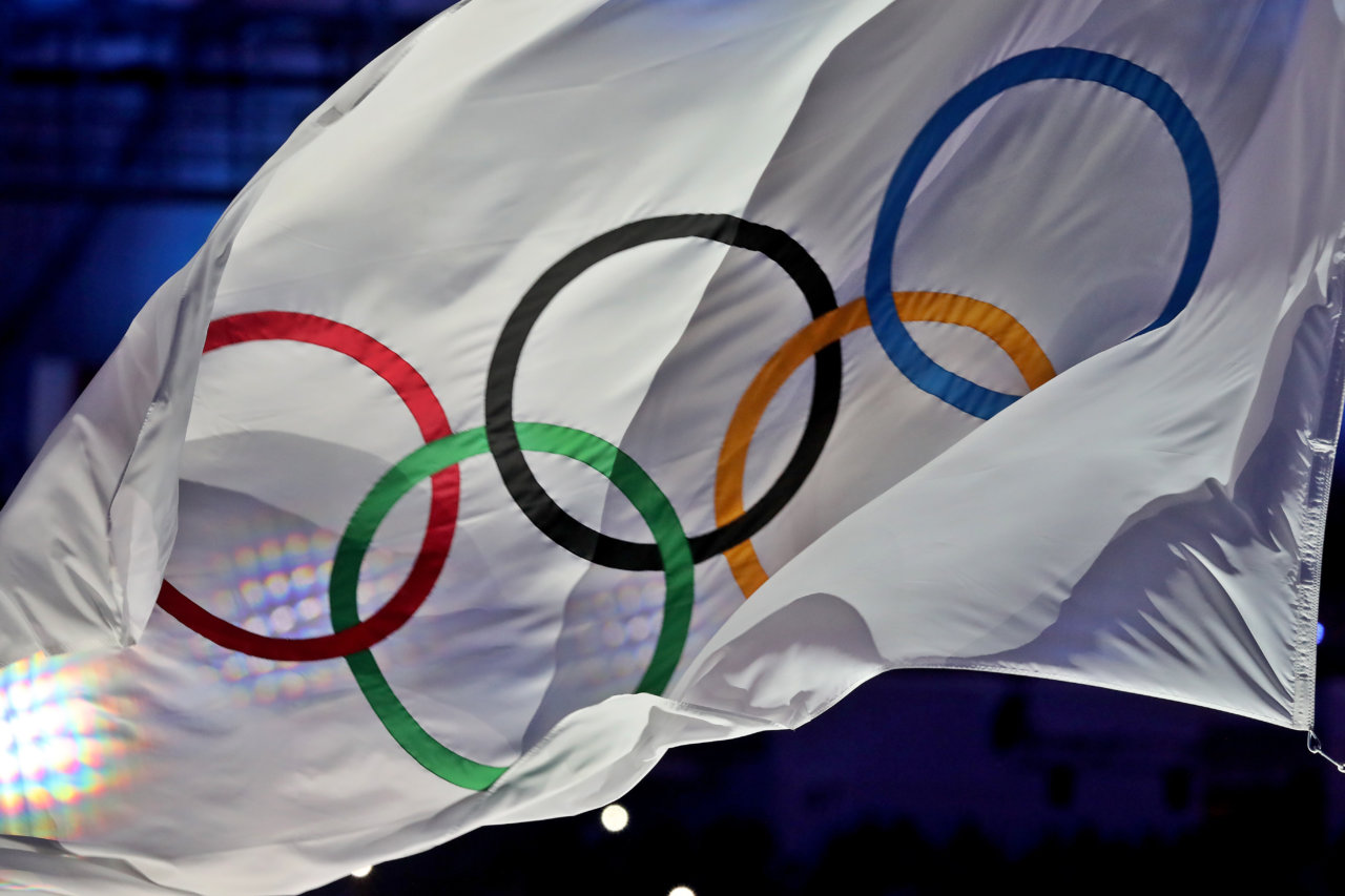 160821, OS 2016, Dag 16, Avslutningsceremoni: RIO DE JANEIRO,BRAZIL,21.AUG.16 - OLYMPICS - Olympic Summer Games Rio 2016, closing ceremony. Image shows the IOC flag. Photo: GEPA pictures/ Markus Oberlaender © BildbyrŒn - COP 81 - SWEDEN ONLY