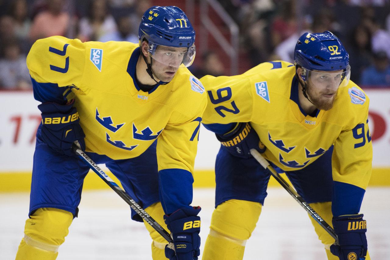 160914 Sveriges Victor Hedman och Gabriel Landeskog under ishockeymatchen mellan Sverige och Europa infšr World Cup of Hockey den 14 september 2016 i Washington. Foto: Joel Marklund / BILDBYRN / kod JM / 87335