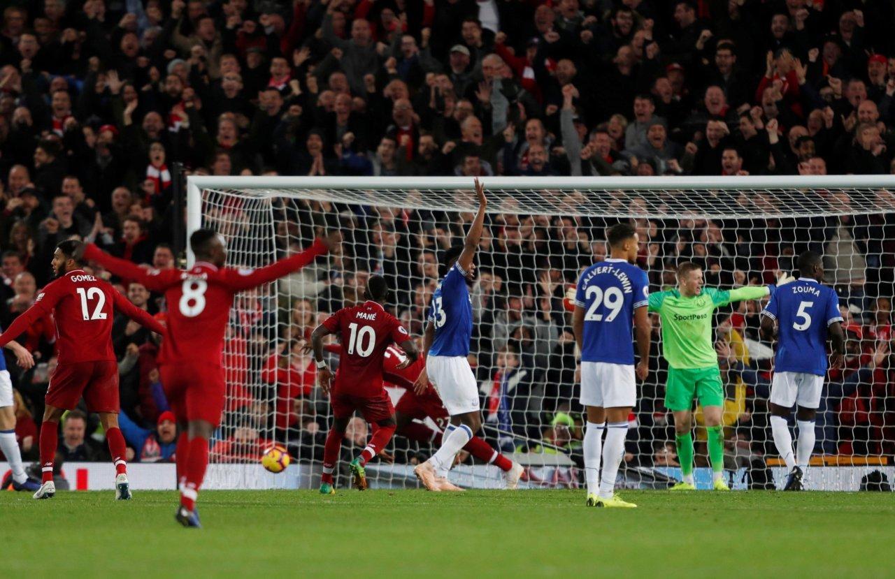 Konstiga mål i Premier League 14030e8b55b19